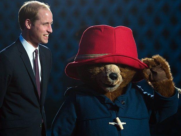 Prince William meets Paddington Bear in China : Woman's Day