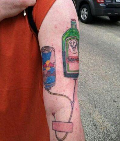 Una red bull e una bottiglia di jaghermhaister?? Okay..