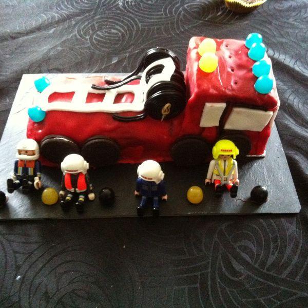 Gateau d'anniversaire en camion de pompier - by Confidencesdemaman.fr