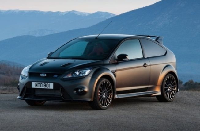 Performance Car Guide's Car Of The Day – Ford Focus RS 500    http://www.performance-car-guide.co.uk/performance-cars/focus-rs-mk2.html #FordFocusRS500