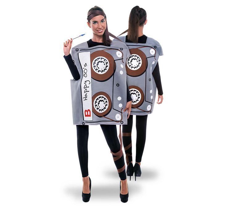 El disfraz de cinta casette adulto, incluye Traje con cintas en DisfracesMimo.com