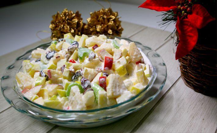 ENSALADA DE FRUTAS NAVIDEÑA - El dulce de esta ensalada acompaña muy bien un pavo o una pierna al horno para estas ocasiones especiales navideñas. Ingredie