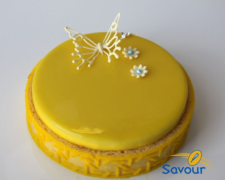 A great lemon entremets with a white chocolate butterfly for Miroir exotique
