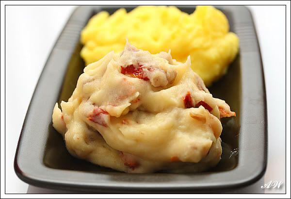 2 идеи для картофельного пюре Шафранное пюре пыталась повторить то, что пробовала у Шубека. Очень просто :-) Молоко закипятить со щепоткой ниточек шафрана, дать…