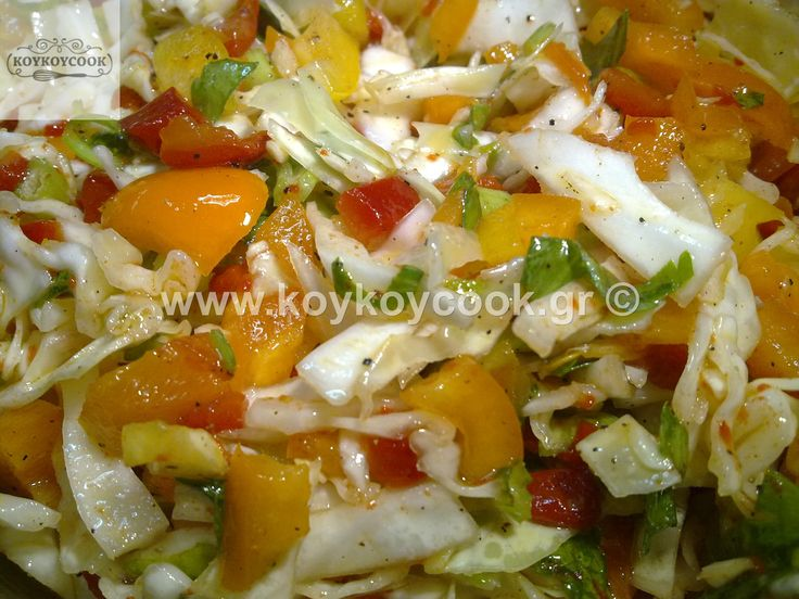 GREEK TRADITIONAL SALAD<POLITIKI>