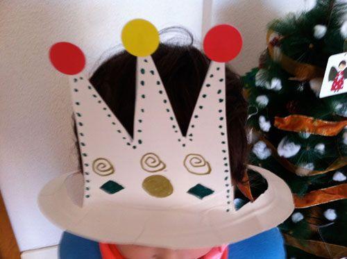 Corona de rey platos papel