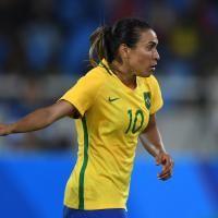 Football : l'Allemagne cartonne, le Brésil réussit son entrée - JO Rio 2016