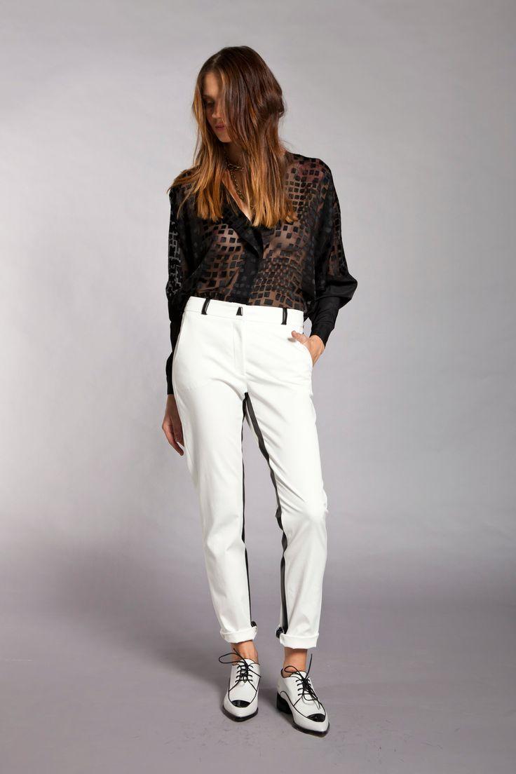 La Cofradia, camisa OMOPLATO   pantalon TENDON