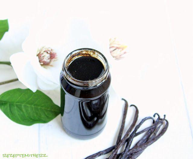 Vanilla Bean Paste ♡ Sie riecht einfach fantastisch und herrlich intensiv. In vielen unserer Rezepte fíndet Ihr die Zutat Vanille Extrakt und auch Vanille Paste. Beides stellen wir selber her. So …