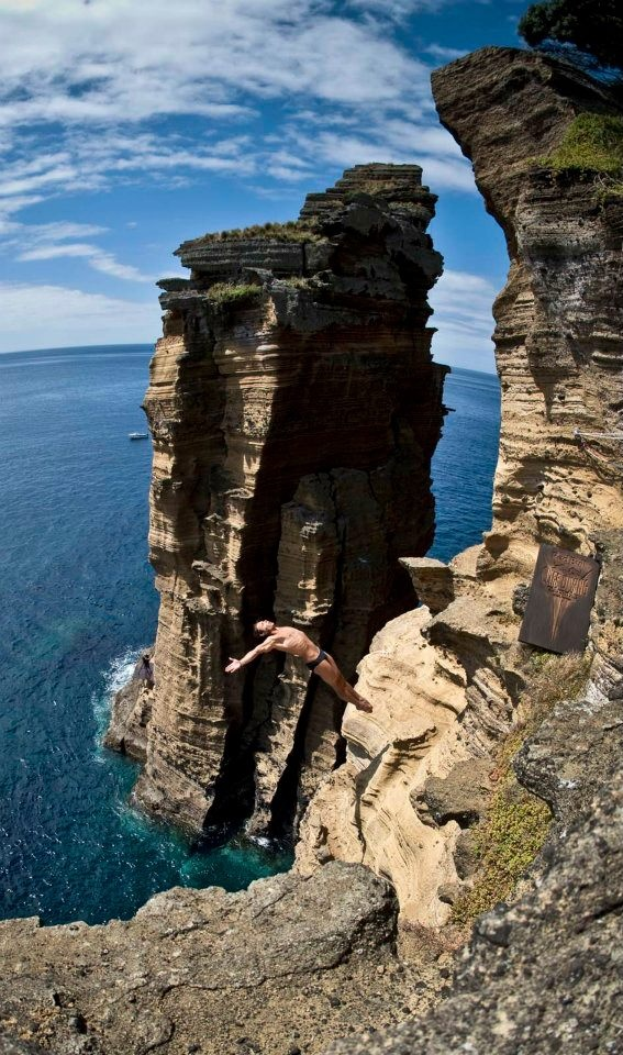 Cliff Jump, Barcelona Time Now And Summer Goals
