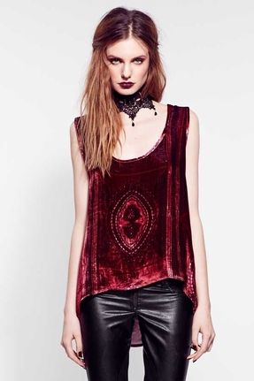 Gothic chic... dressed up
