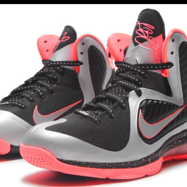 lebron james sneakers 2012 nike foamposite white and black