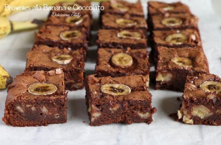 A settembre è lecito accendere di nuovo il forno per preparare dei buonissimi dolcetti cioccolatosi come questi Brownies alla Banana e Cioccolato.