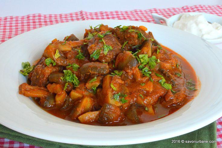 Papricas cu carne de vita si ciuperci - reteta ungureasca clasica. O tocanita de vita sau vitel care se serveste cu sau fara smantana. Cum gatim carnea de