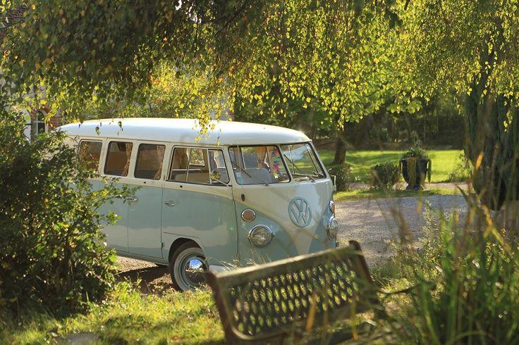 La voiture des mariés: Combi Volkswagen