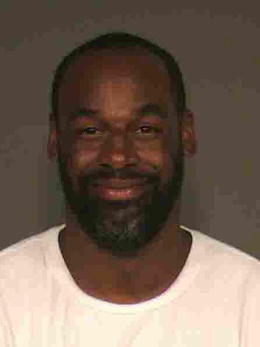 Former Philadelphia Eagles quarterback Donovan McNabb was arrested in late June 2015 on suspicion of drunk driving after police say he rear-ended another vehicle in Gilbert. In December of 2014, McNabb served one day in jail for speeding along Loop 101, and was also cited for DUI.