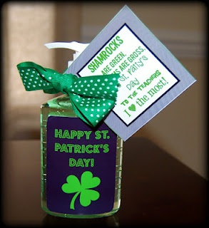 .: Gifts Ideas Guest, St. Patties, Ideas Guest Posts, Cute Teacher Gifts, Gift Ideas, Details Ory Divas, St. Patrick'S Day, Minute St., Last Minute Gifts