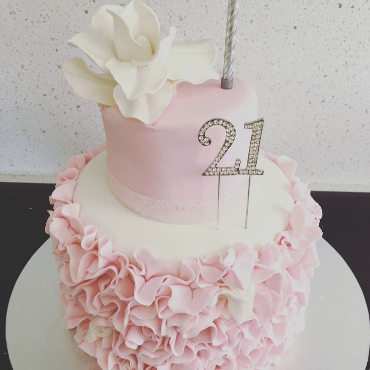 Birthday Gifts For 21 Year Old Women: Best 25+ 21 Birthday Cakes Ideas On Pinterest