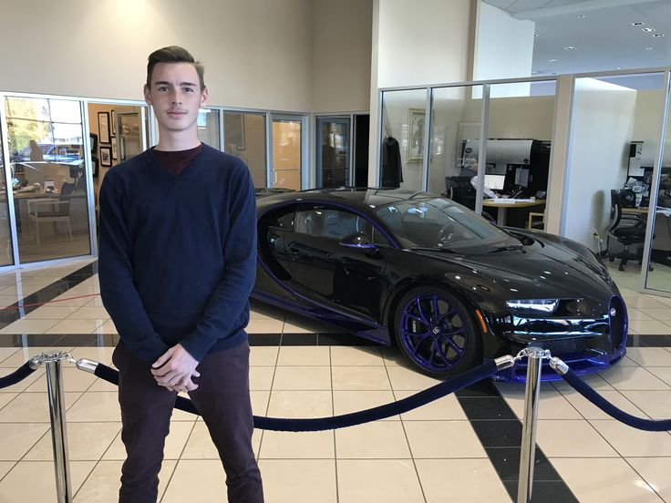 I went to a lamborghini dealership to maybe look at some Hurucans and instead came across a 2.8 million-dollar Bugatti