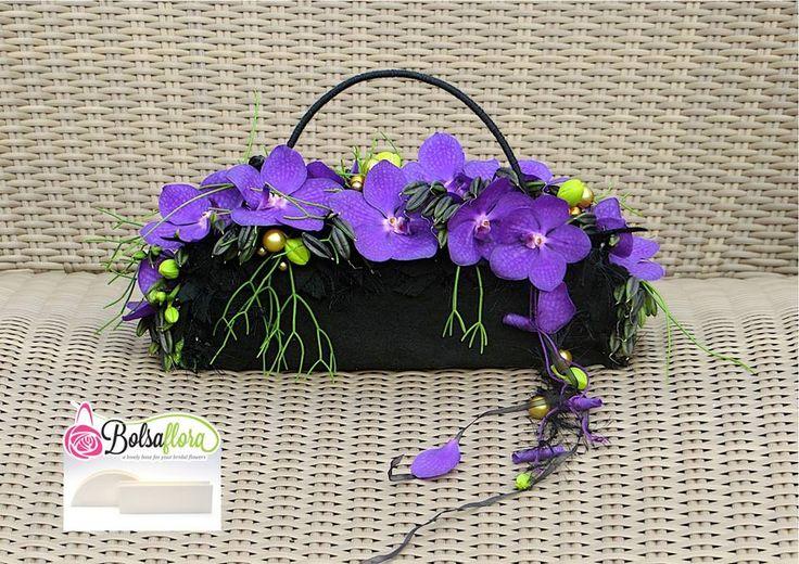 "Created with Bolsa Flora VI A new Bolsa Flora base for your ""Pochette purse"" www.bolsaflora.com"