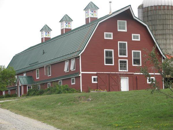 Best 25 barn kits ideas on pinterest horse barns pole for Gambrel garage kit