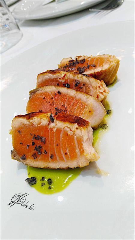 El tataki de salmón con escamas de sal de sepialo preparo en Errazki, porque tengo la creencia firme que el salmón debería estar en el podio de los pescados de las catas mas selectas y no en una segunda linea que se le tiene relegado Ingredientes: 100 gr. de lomo de salmón fresco(100% libre de …