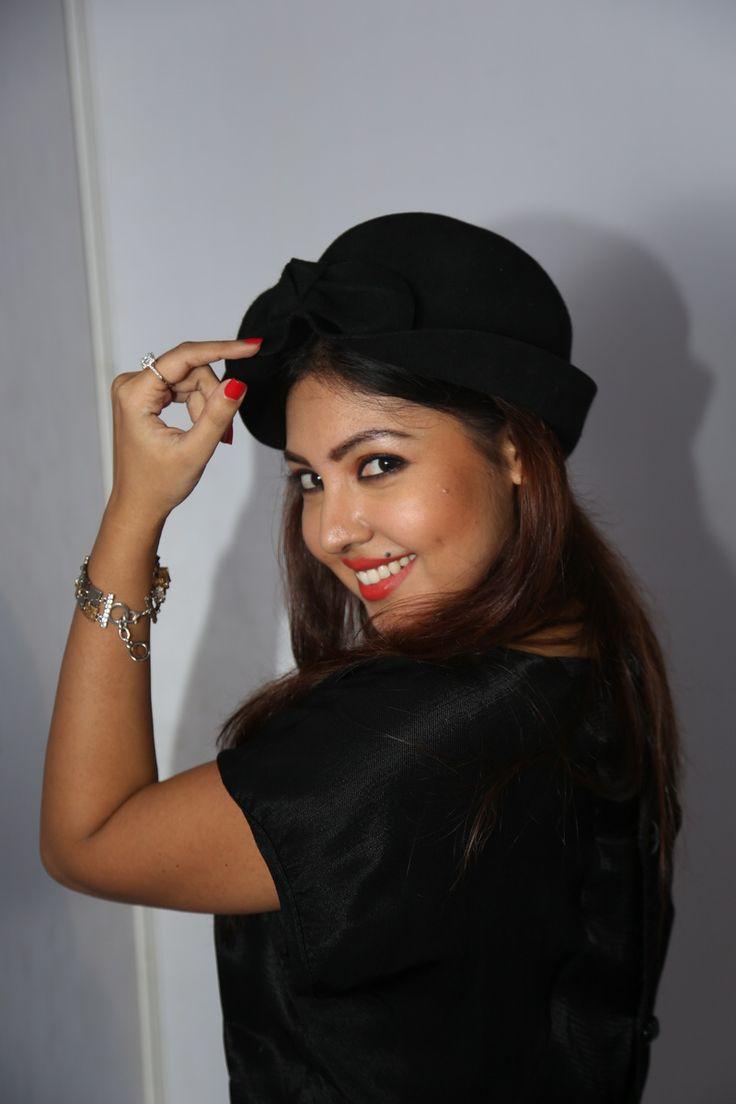 Actress Komal Jha Latest Pics - Actress Komal Jha New Stills - Actress Komal Jha Hot Stills - Actress Komal Jha New Photos@tollywoodactress.in
