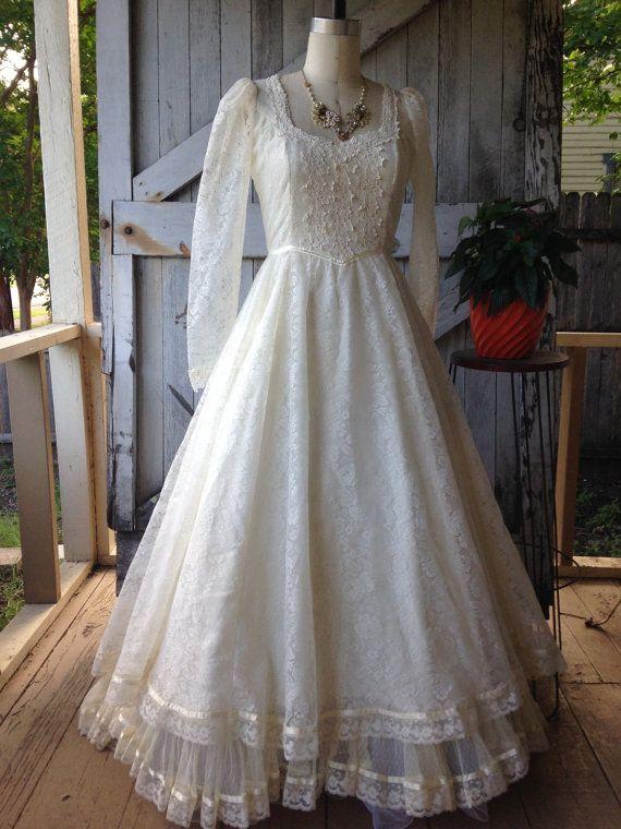Les 25 meilleures id es concernant robes de mari e des for Quand les robes de mariage seront elles en vente