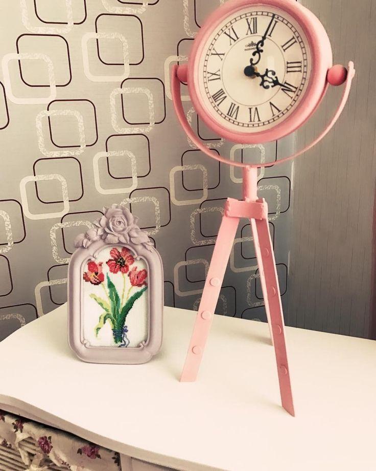 Hayırlı ramazanlar diliyorum ��☺️ sonunda çiçekli kanaviçe tablomu bitirebilirim ✌️sipariş için dm lütfen #kanaviçe #etamin #love #sewing #dikiş #elişi #elyapımı #handmade #emek #emeğedestek #hobi #instagood #crosstitch #home #ev #dekor #dekorasyon #fikir #ideas #gift #hediyelik #eveşyası #girls #elemeği #art #sanat http://turkrazzi.com/ipost/1524787587277371852/?code=BUpIjthl7nM