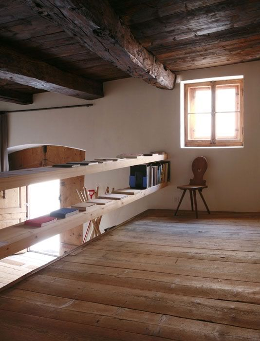 ZUOZ, ENGADINAL'intervento di ristrutturazione è stato realizzato dall'architetto Hans-Jörg Ruch
