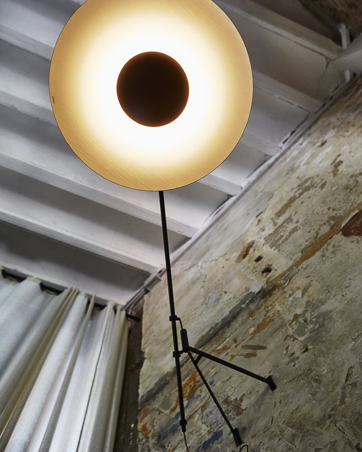 Website Photo Gallery Examples New wall version of the Ginger lamp Its articulated arm offers static movements from one side to another one bringing stability to the whole