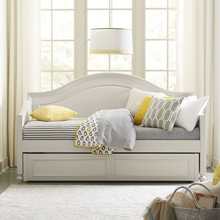 best 25 daybeds ideas on pinterest 15086 | 96ba8f46b86ca5e43d8baf94982549d2 girls daybed daybed with trundle guest bedrooms