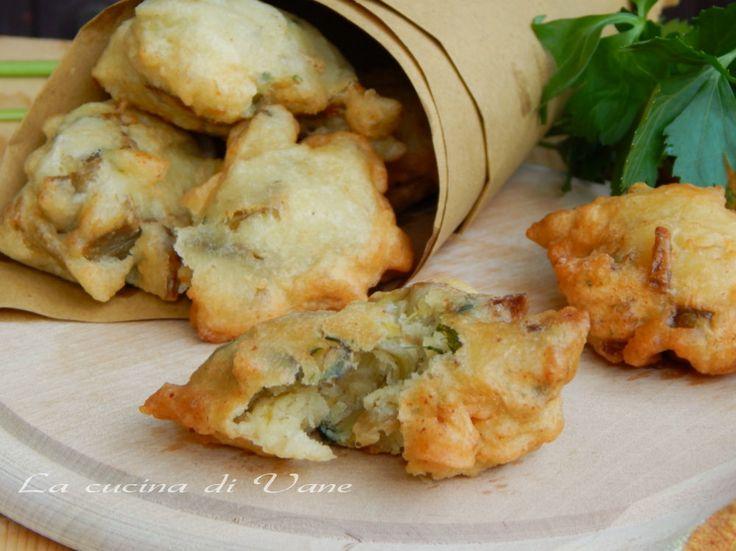 Frittelle di carciofi e ricotta ricetta facile e appetitosa per cucinare i carciofi e gustarli in modo goloso.Ricetta vegetariana con carciofi per frittelle