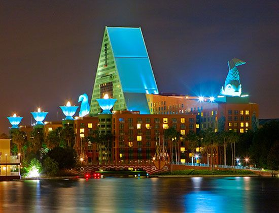 The Dolphin And Swan Hotels At Walt Disney World Run Specials That Make For Affordable Family Vactions
