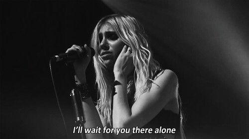 Image via We Heart It https://weheartit.com/entry/135778830/via/8562765 #blackandwhite #dark #grunge #music #TaylorMomsen #wait #theprettyreckless #tpr