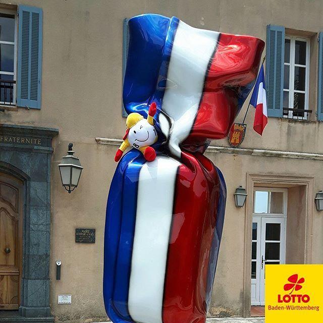 Und unser Maskottchen verweilt aktuell in #Frankreich. Die #Europameisterschaft im #Fußball ruft - und WINNY ist diesem Ruf gerne gefolgt.  #LottoBW #vivelafrance #uefaeuro #euro2016 #kickit #football #instaphoto #pictureoftheday #photooftheday # #Monday #mondaymotivation