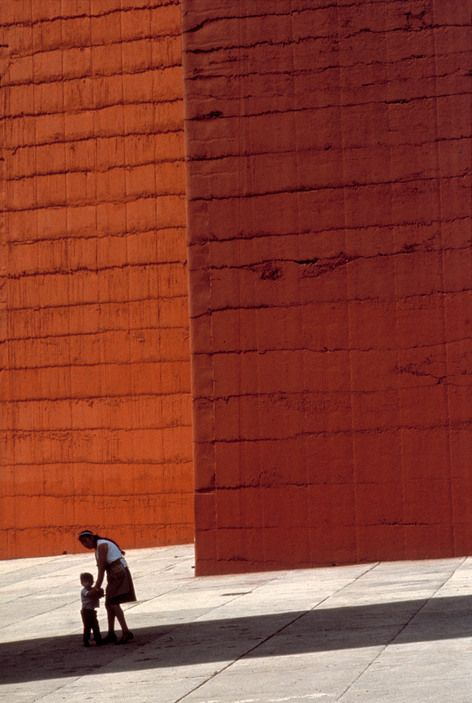 Rene Burri MEXICO. Mexico City. Queretaro Highway. The Towers of Satellite City (1957) by Luis BARRAGAN (and Mathias GOERITZ).
