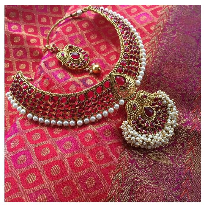 Indian bridal jewellery. Temple jewellery. Bridal statement necklace.