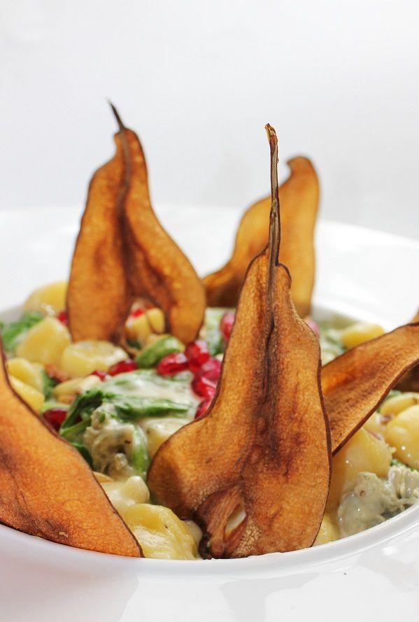 Gnocchi met gorgonzola saus en gedroogde peer