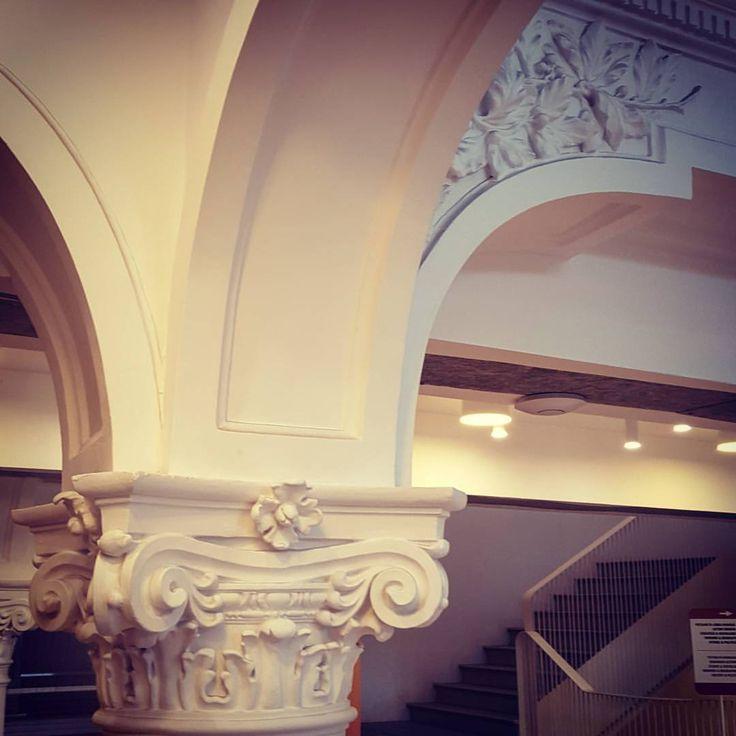 #arhitecture #carturesticarusel #detalis #ligh t#shadows #bestplace #place #decor #memories #withmylove #bucharest #design #bucurestirealist #bucurestioptimist #miculparis #ig_bucharest #interior #libraries #bookstore #bulding #lipscani #library (la...