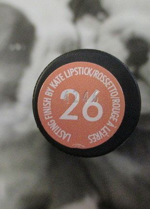Kup mój przedmiot na #vintedpl http://www.vinted.pl/kosmetyki/kosmetyki-do-makijazu/16172900-pomadka-kate-moss-kolor-26-rimmel-london-look