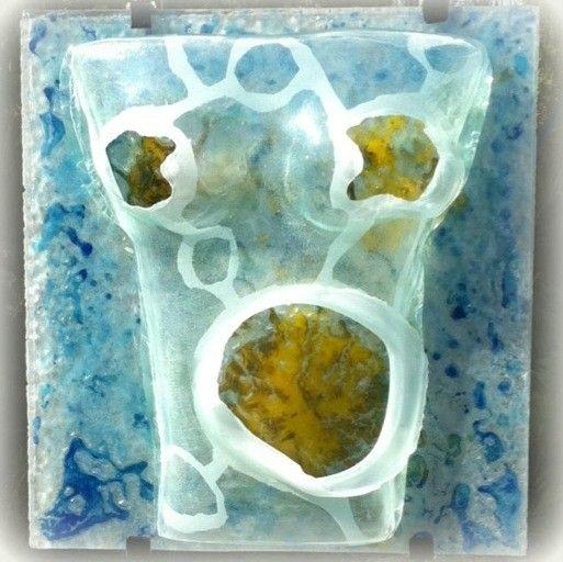 FUKUSHIMA  verre thermoformé sablé sur dalle de verre avec émaux