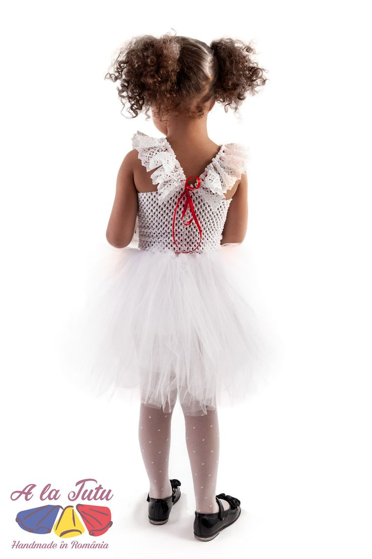 Rochita TUTU Handmade in Romania. Rochita pentru copii, rochita pentru printese, realizata din 4 randuri de tulle. Rochii pentru petreceri copii, serbare gradinita, nunta si botez, sau pentru a fi oferite cadou.Aceste produse se gasesc in urmatoarea categorie de produse: costum serbare, nunta tutu, printese tutu, rochita copii, rochita serbare, serbare tutu, tul copii, tul fete, tulle copii, tulle fete, tutu bebelusi, tutu botez, tutu copii, tutu fete, tutu fetite, rochita printesa, rochita…