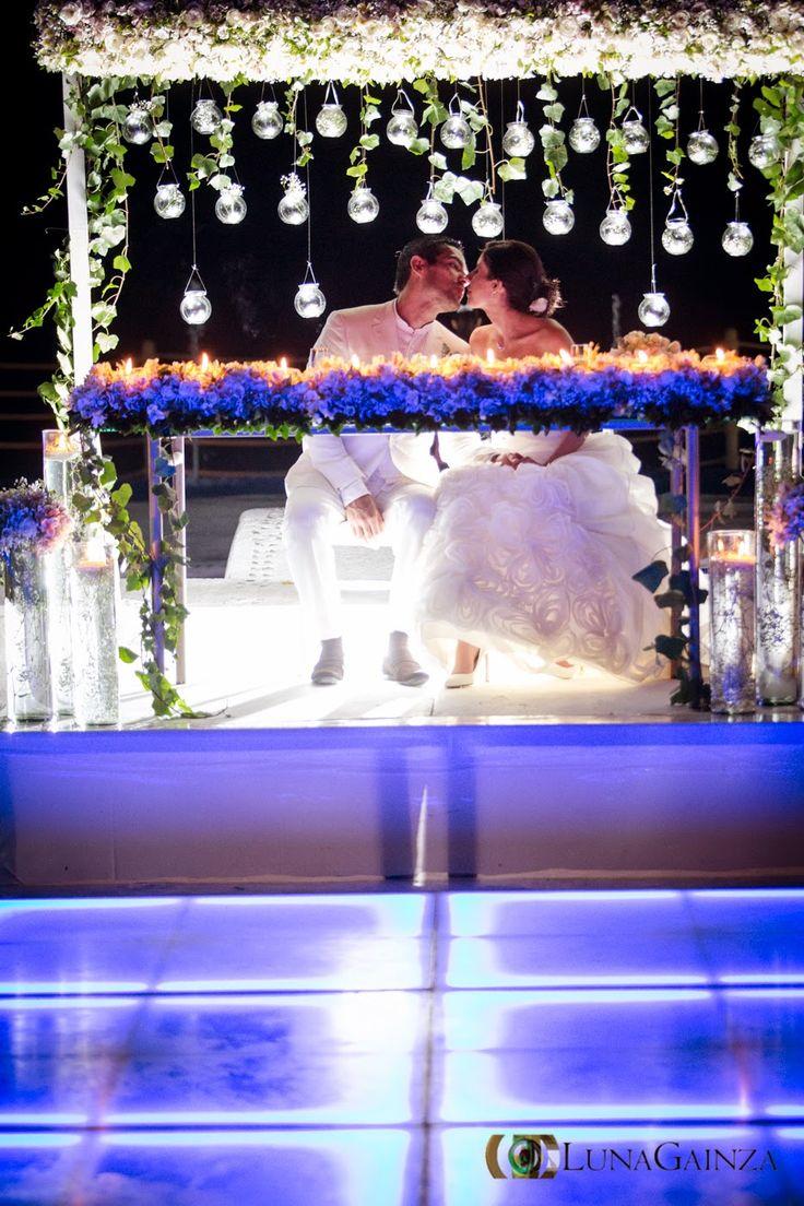 Mesa de novios ideal para tu boda en Playa por Bodas Huatulco