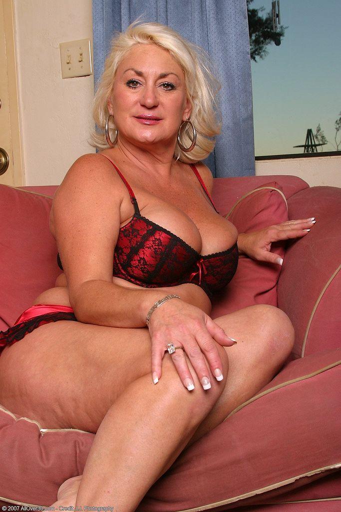 Dana Hayes Mature Beauty 66