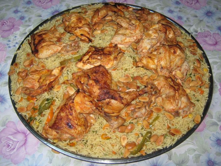 """Reteta """"Sherkasieh"""" cu pui – Pui chirchiz cu orez-reteta specific iordaniana din categoria Mancaruri cu carne. Cu specific arabesc."""