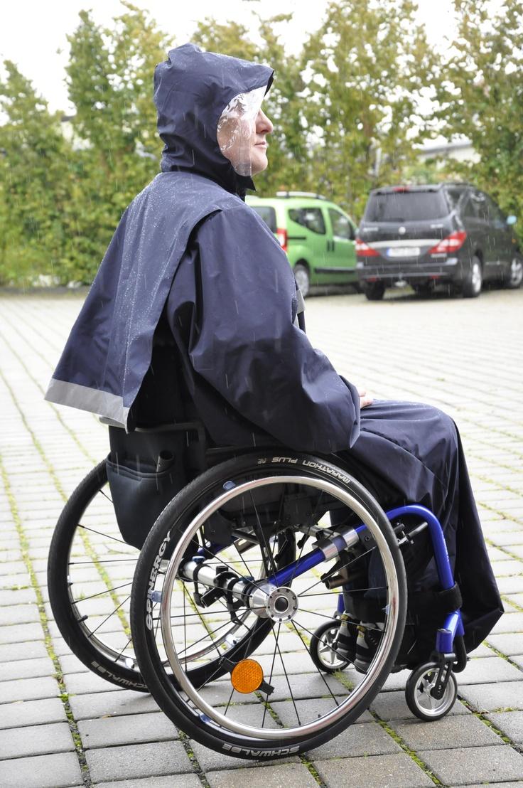 Capa para lluvia. Ropa adaptada para usuarios de silla de ruedas $99.43 (79€)