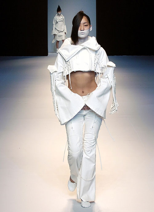 Lee Jean Youn |  2004 f/w collection