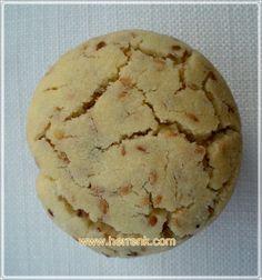 Bitli Kurabiye/Kavrulmuş Susamlı Kurabiye-susamlı kurabiye,bitli kurabiye tarifi,kurabiye tarifleri,susamlı,susamlı tatlı kurabiye,susamlı kurabiye yapımı,susamlı kurabiye hamur,