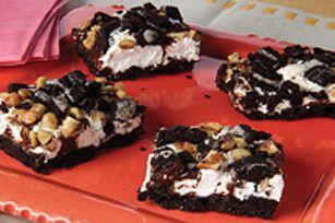 Des barres au chocolat et aux guimauves, c'est divin! Une croûte de biscuits…